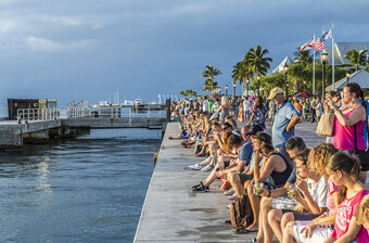 key west - mallory square crowd